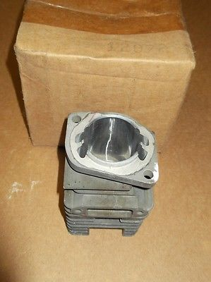 Poulan 5300-12072 Chainsaw Cylinder